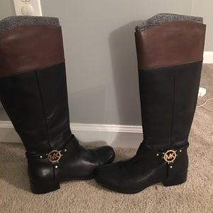 Michael kors women 's boots in black and brown